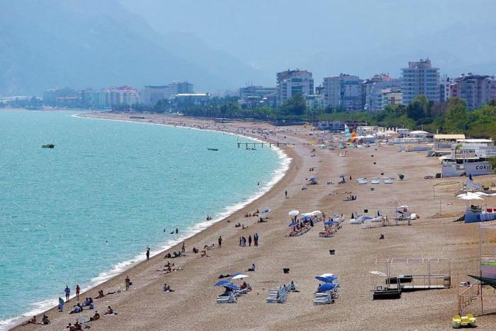 Погода в Анталии в августе - Пляж Коньяалты
