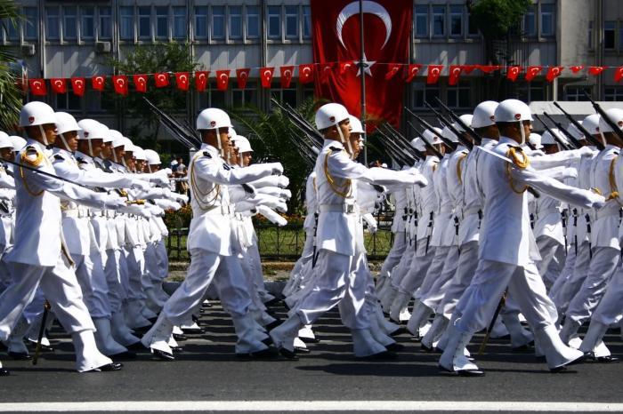 Чем заняться в Сиде в августе, День Победы над Грецией