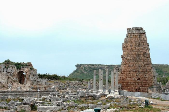 Погода в Анталии в октябре - Руины Перге