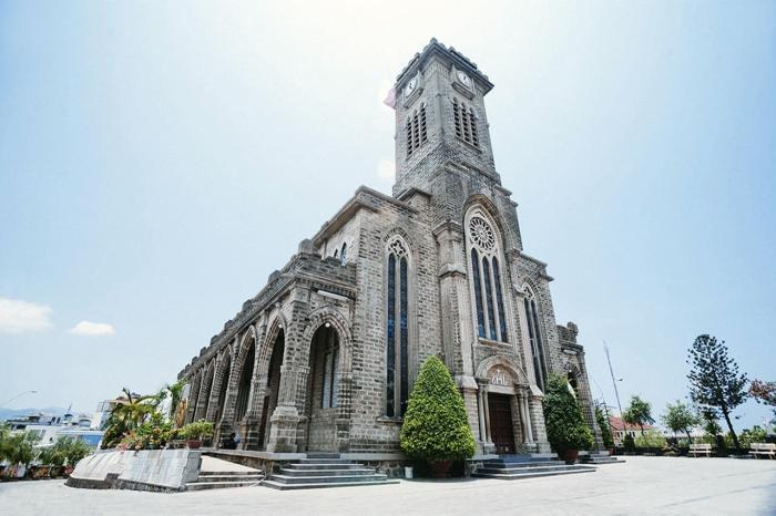 Нячанг, Кафедральный собор в готическом стиле