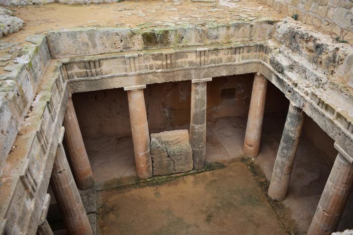 Кипр, Царские гробницы