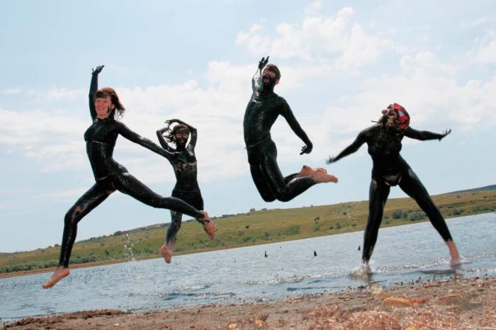 Станица Голубицкая, Отправляйтесь на Голубицкое озеро и обмажьтесь лечебной грязью