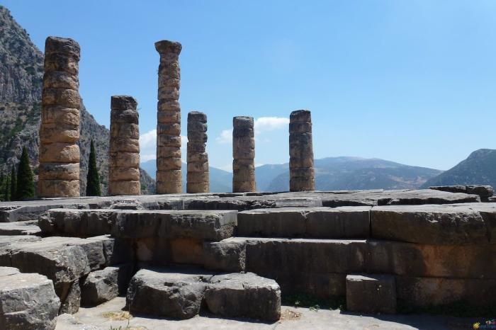 Греция, Храм Аполлона Пифийского