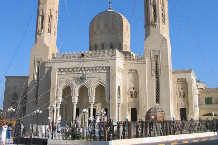 Хургада, Белокаменная мечеть