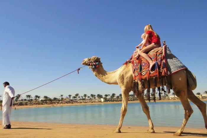 Отдых с детьми, Катание на верблюде