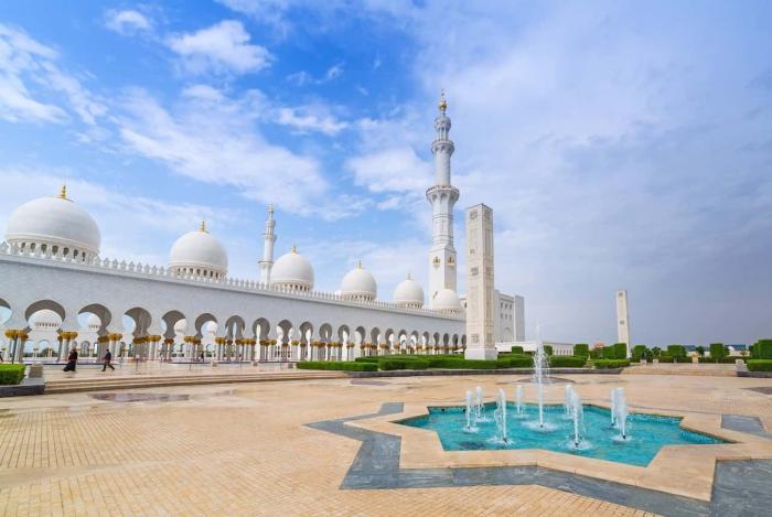 ОАЭ, Великая мечеть