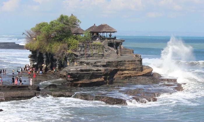Индонезия, Пура Танах Лот