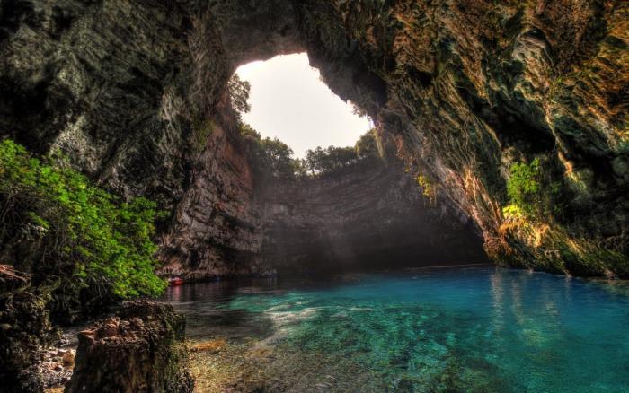 Греция, Пещерное озеро Мелиссани