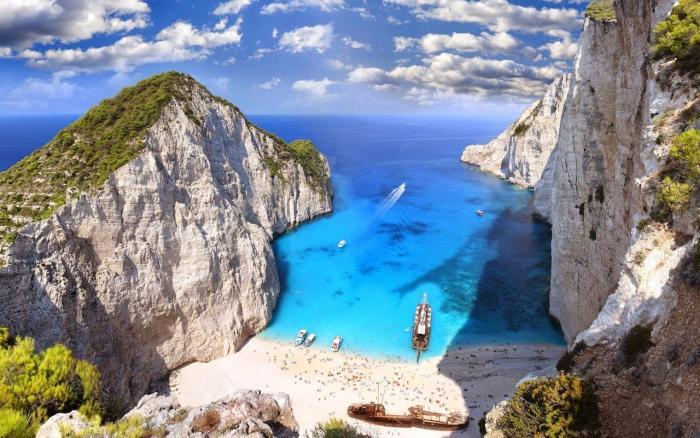 Греция, Пляж Навагио, куда можно добраться только с моря