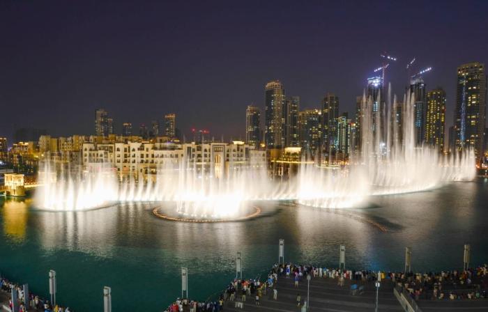 ОАЭ, Посмотрите на шоу Музыкальных фонтанов