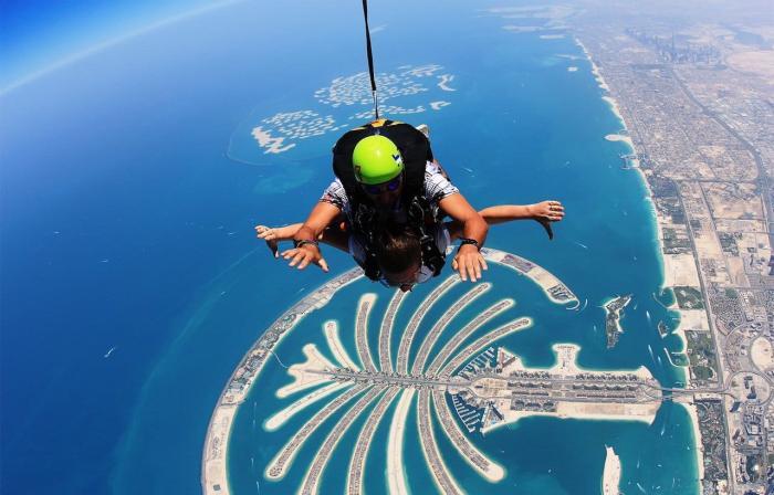 ОАЭ, Прыгнуте с парашютом над Пальмой Джумейра