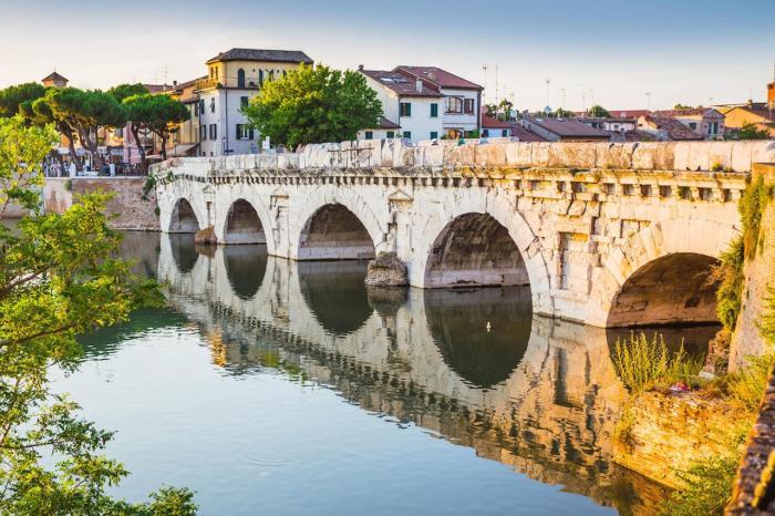 Римини, Мост Тиберия, которому более 2000 лет