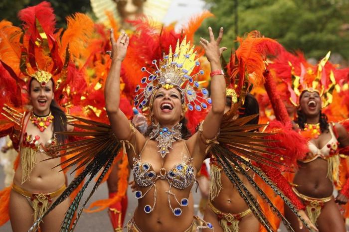 Куба, На улицах часто проводят карнавалы, особенно перед Новым годом