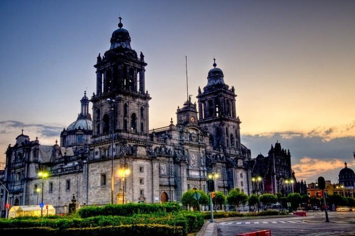 Мексика, Кафедральный собор в городе Мехико