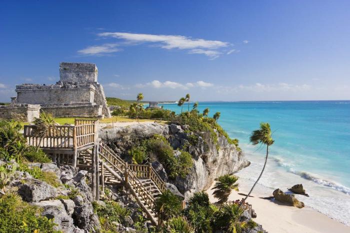 Мексика, Сходите на экскурсию в один из древних городов Майя, например в город Кункун на побережье