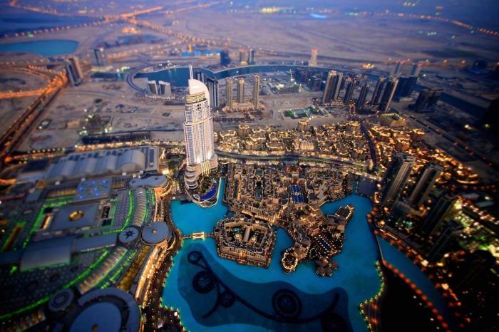 ОАЭ, Вид ночного города со смотровой площадки башни Бурдж-Халифа