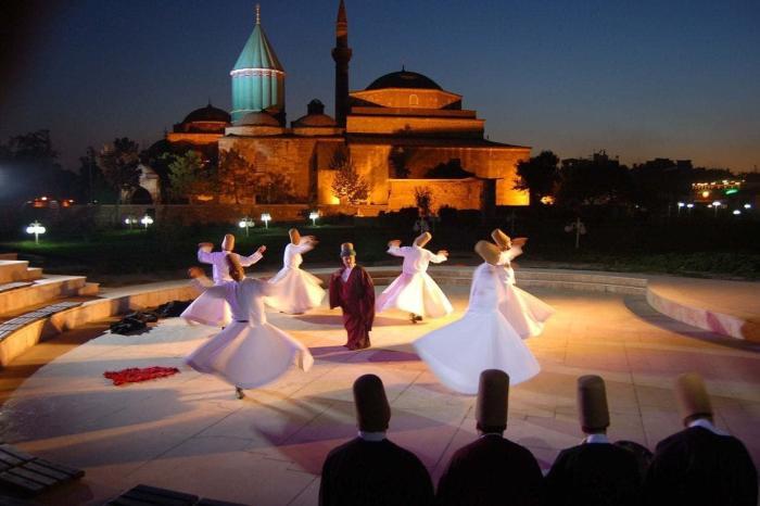Турция, Посетите фестиваль кружения дервишей в Конье