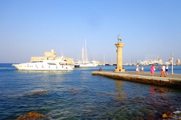 Родос, гавань Мандраки