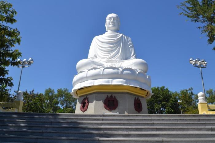 Нячанг, пагода Лонгшон