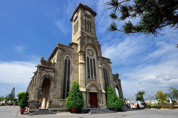 Нячанг, собор в Нячанге