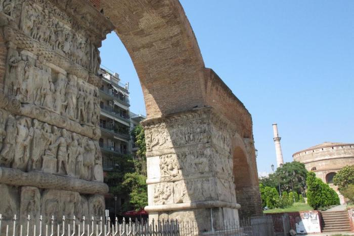 Греция Салоники Арка и гробница Галерия