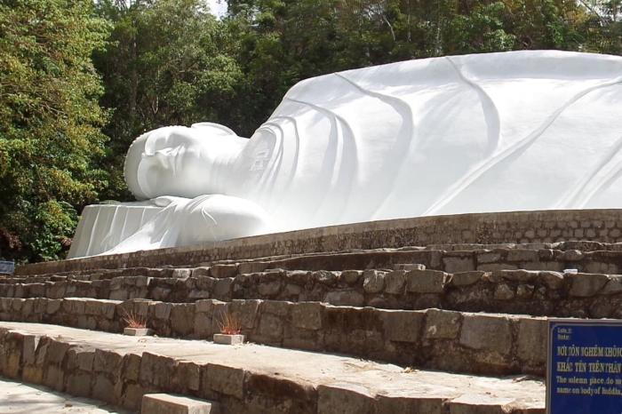 Фантьет, Лежащий Будда