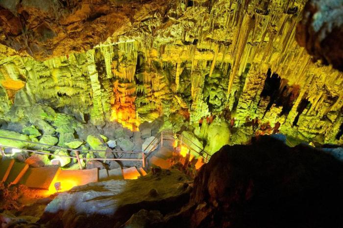Крит, Пещера Зевса