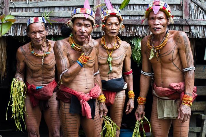 Индонезия, Познакомьтесь с местными племенами на Ментавайских островах