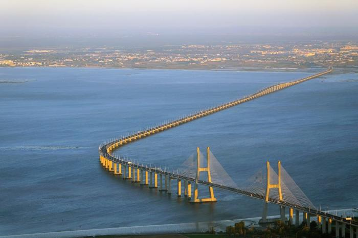 Португалия, Мост Васко да Гама, самый длинный в Европе