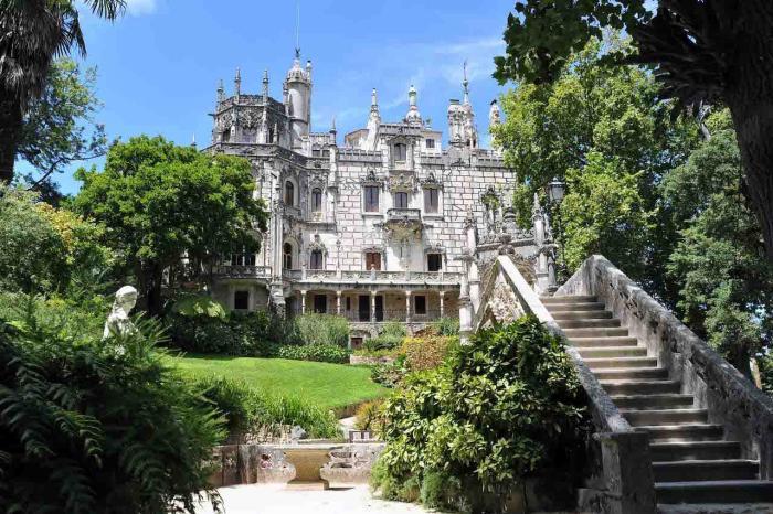 Португалия, Сказочный дворец Кинта да Регалейра