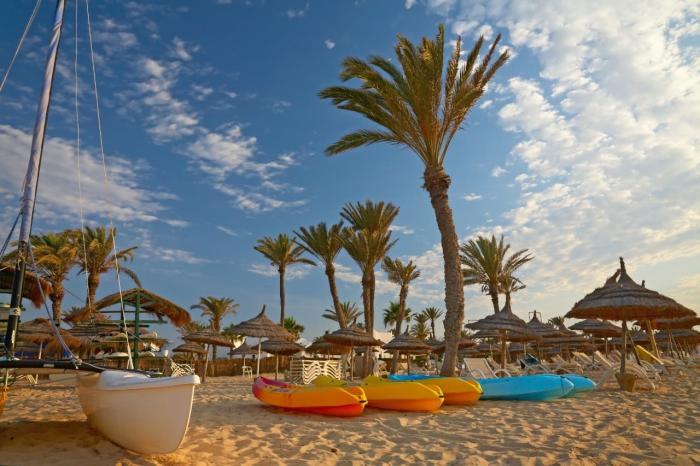 Тунис, пляжи курорта Сусс