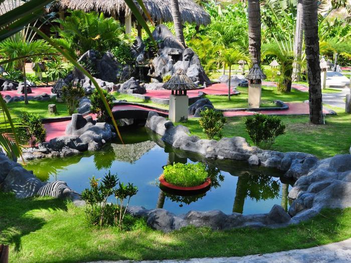 Вьетнам Фантьет Tropical Minigolf