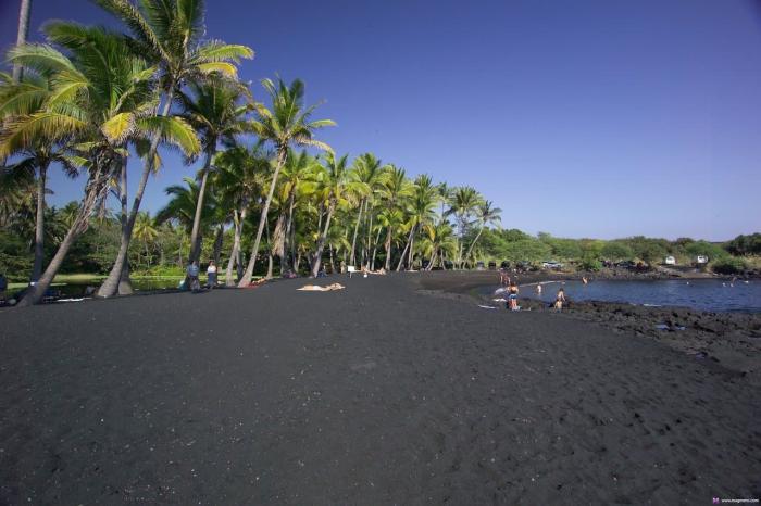 Санторини черный пляж