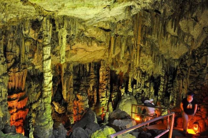 Крит, пещера Диктеон