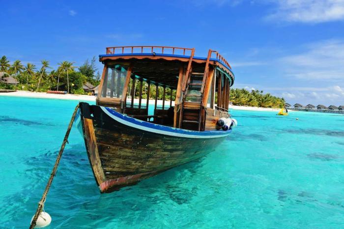 Мальдивы, Возьмите лодку и посмотрите необитаемые острова