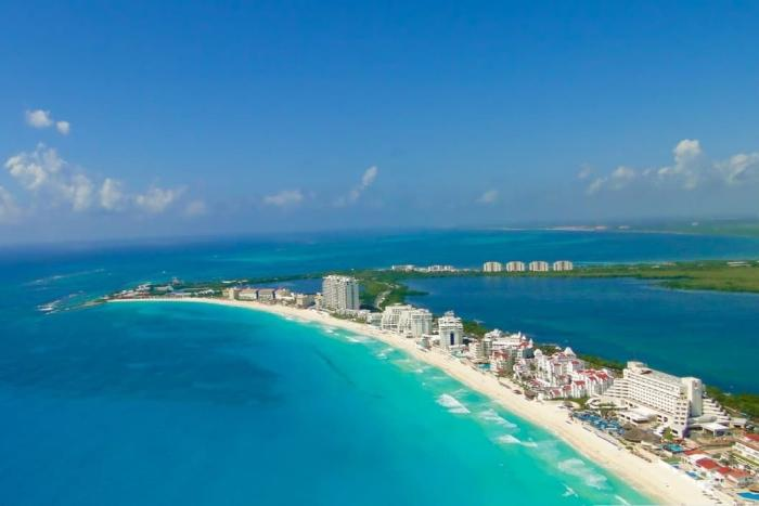 Мексика, Канкун - здесь идеальные волны для серфиров