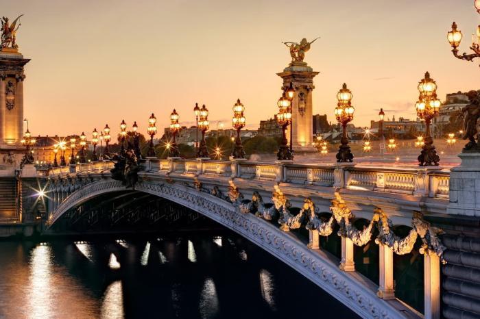 Франция, Прогуляйтесь по ночному городу