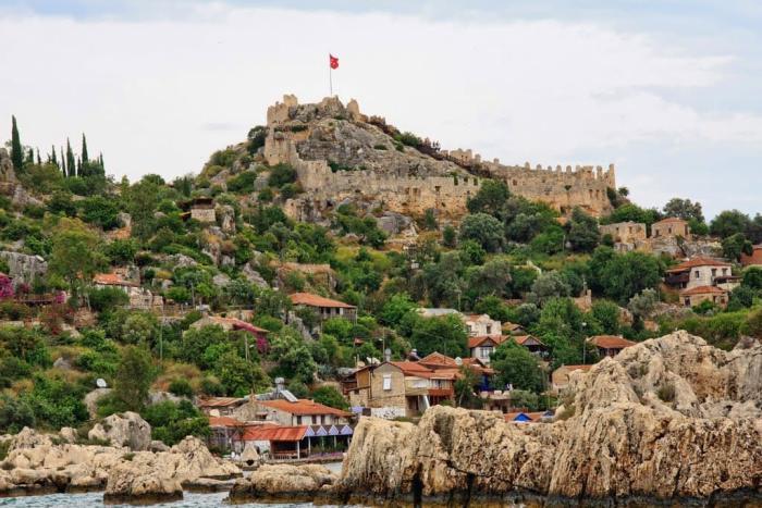 Мармарис, вид на старую крепость