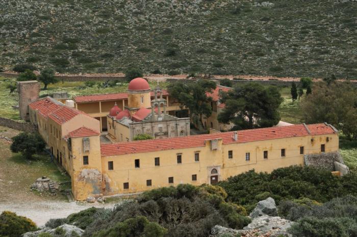 Что посмотреть на Крите в октябре, Полуостров Акротири, монастырь Гувернето