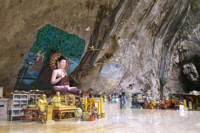 Краби, Пещера храма тигра