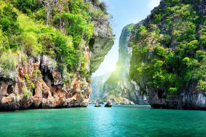 Погода в Краби в мае, Таиланд одинокие скалы