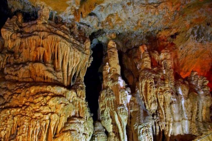 Крит, Пещера Сфендони