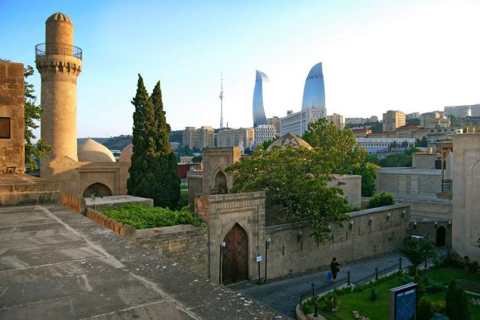 Азербайджан, Дворец Ширваншахов в Баку