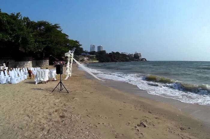 Погода в Паттайе в июне, пляж на Пратамнаке
