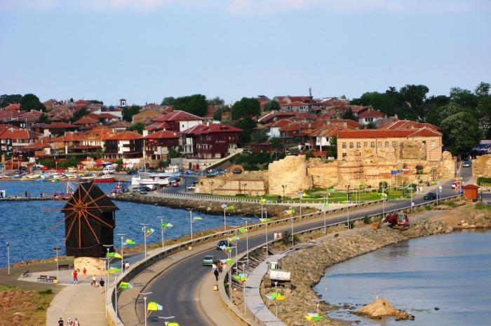 Болгария, Несебр - старый гордок в европейском стиле