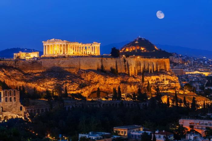 Греция, Античные руины в Афинах