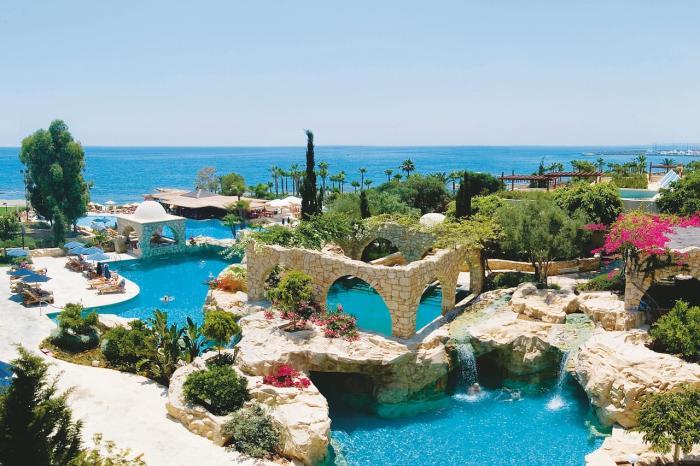 Кипр, Элитные курорты острова Пафос