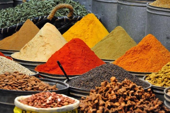 Морокко, Купите местные пряности на рынке
