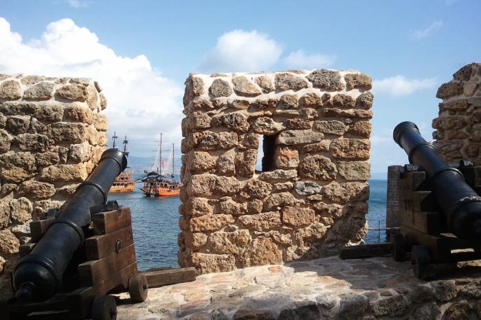 Что посмотреть в Аланье в августе, Крепость Алании