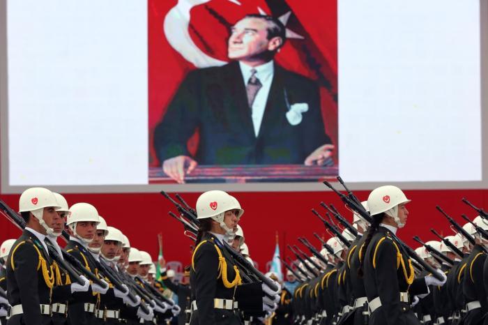 Чем заняться и что посмотреть в Стамбуле в октябре, День республики в Турции